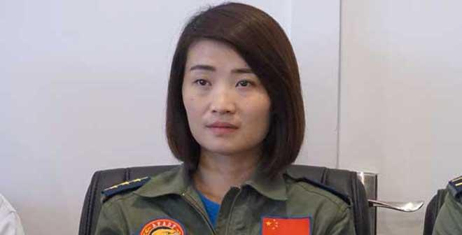 首位歼10女飞行员余旭殉职 疑在跳伞过程中受撞击