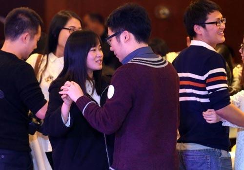武汉330余名单身硕博生联谊寻缘