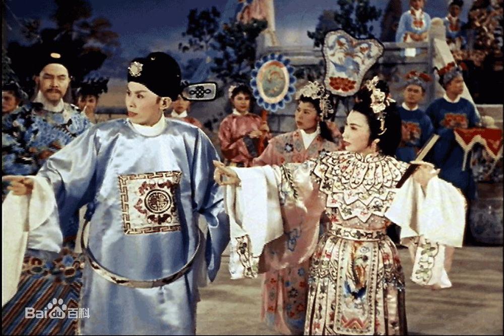 图:任剑辉(前排左),白雪仙主演粤剧《帝女花》剧照