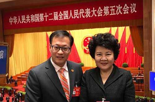 【热点】海外侨胞代表丰建伟:总理的报告非常务实