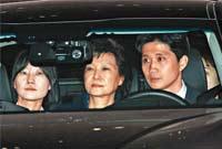 把朴槿惠送進監獄的是韓財閥政治
