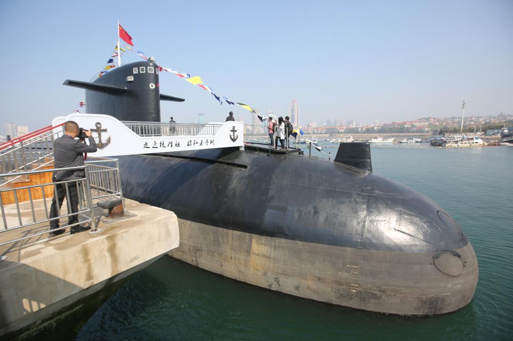 首艘装备锂电潜艇_首艘中国核潜艇开放参观