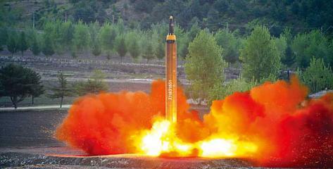 """朝""""火星12""""能携核弹头 金正恩:朝鲜是核强国"""