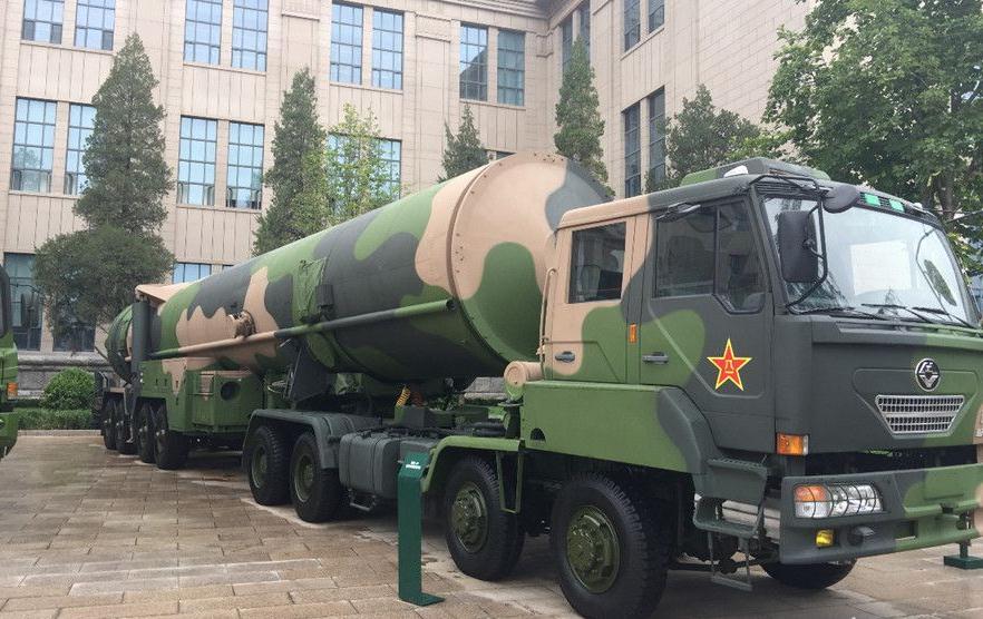 歼-10、东风-31亮相建军90周年主题展览