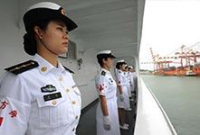 中国海军和平方舟医院船首次停靠斯里兰卡