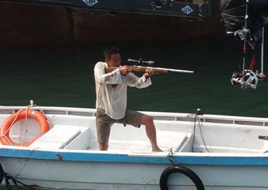 郑州一大学生任《战狼2》航拍主飞手
