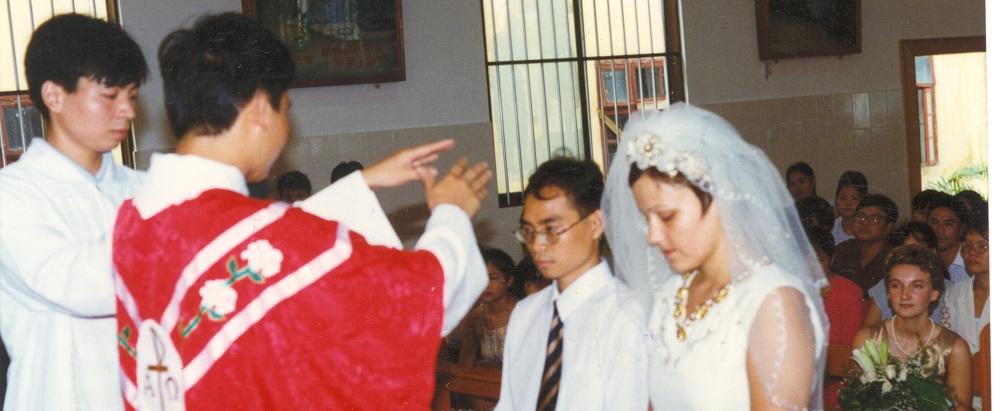 广西为新婚夫妇举行婚配圣事
