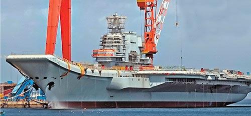国产航母最强编队明年或亮相 舰载机歼15B将成主力