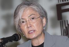 韩外长坚持和平实现半岛无核化