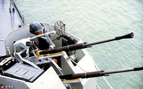 東海南海起風波 針鋒相對捍衞主權