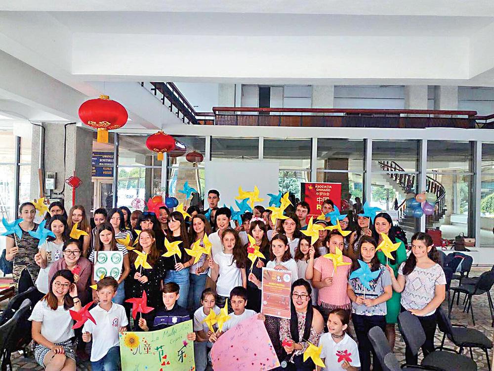 孔子学院老师用心传播中华文化