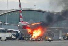 香港機場美航客機起火