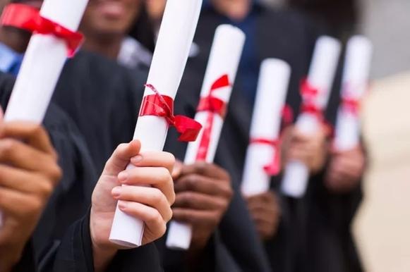 大学文凭无用论美国升温 超半数人认为收不回成本
