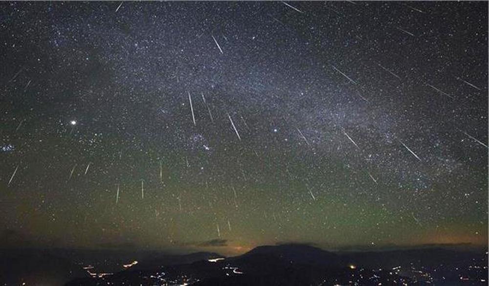 太空馆形容,12月的双子座流星雨在本地观测条件极佳,观赏度达三粒星