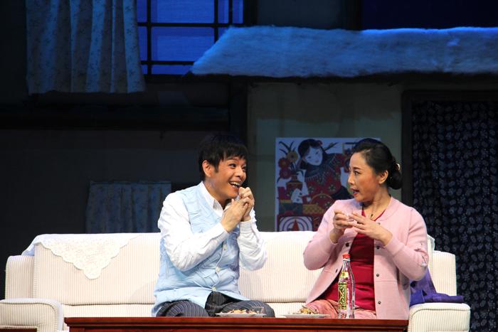 """马海明夫人流着泪看完演出,她称当晚的演出""""太好了!太感人!"""