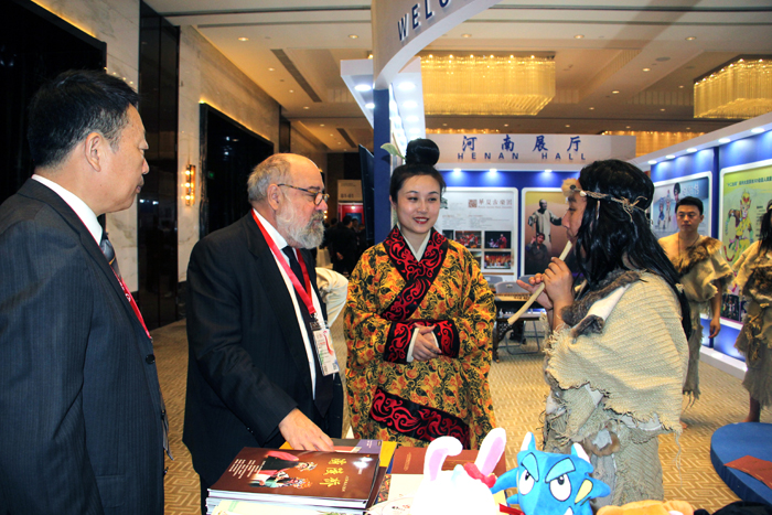 中原文化出彩吸睛 成第十九届中国上海国际艺术