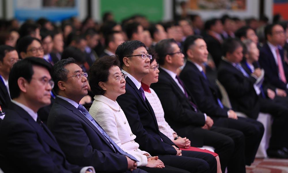 第21届北京·香港经济合作研讨洽谈会28日早上在香港会议展览中心开幕