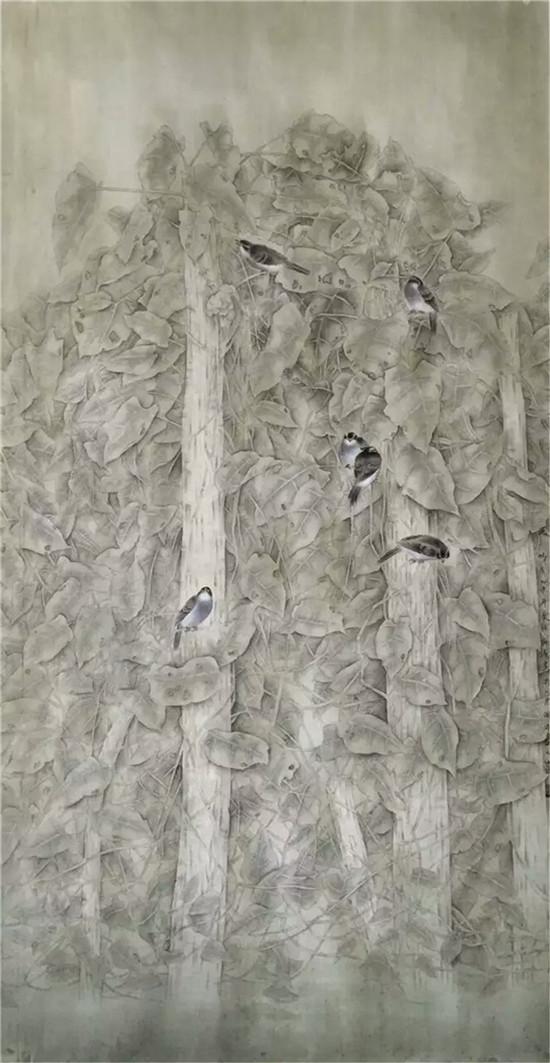 其实引发对象感动的在形式以外有着更深层次的相互观照,因为任何一个艺术家所要表达的形式都脱离不了其自身的精神内核和审美趋向,这与形式是否空洞苍白饱满生动高低虚实没有直接关系,就像一个生命体在体验生命的旅程中有别于其他个体的特质一样。所以海涛先生无论是花鸟或者人物从中传递的信息的精神内核仍是一个主题。譬如花鸟,其形式的唯美是流淌在对整个画面的气质营造的范围之内的。如果说表现形式打动了对象倒不如说整个画面的气质征服了对象,只所以这样一波三折是画家别有用心或是水到渠成我们不得而知,但可能只是在多看一眼抑或最