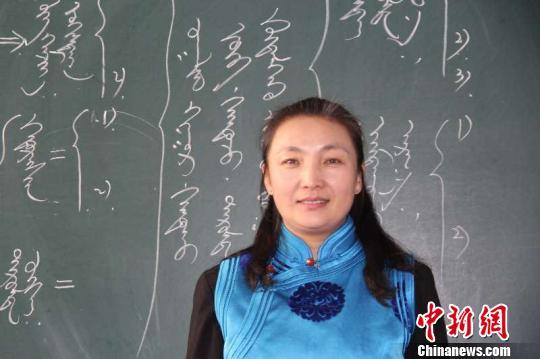 圖為楊冬梅在教室。受訪者供圖