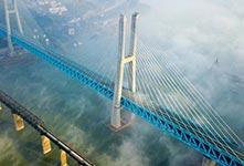 首座雙層六線鋼桁梁鐵路斜拉橋