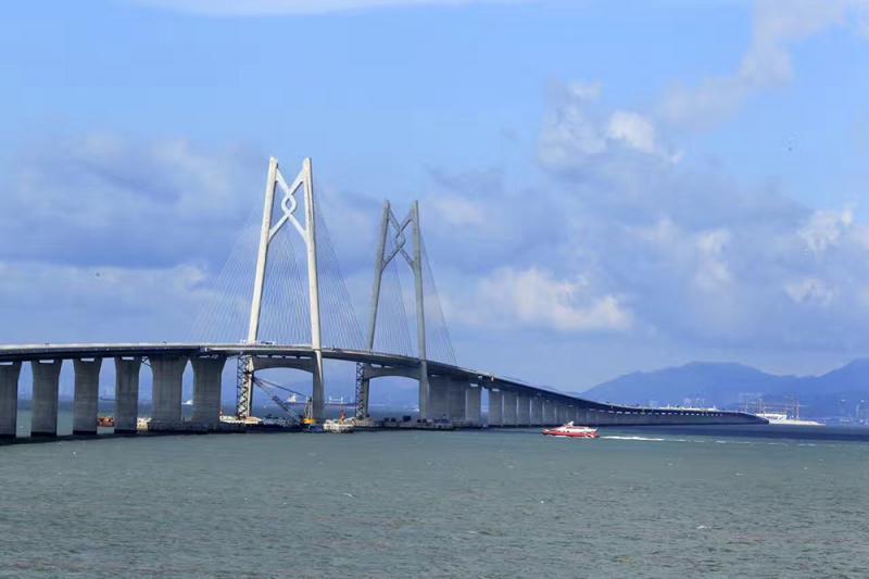 广东研自贸区内金融教育等对港澳进一步开放