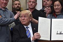 特朗普正式簽署新鋼鋁關税協議