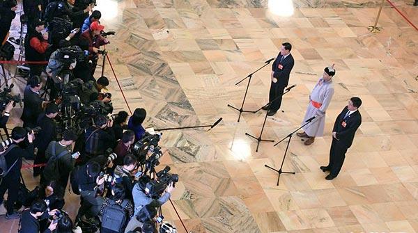 十三屆全國人大一次會議開啟第四場代表通道