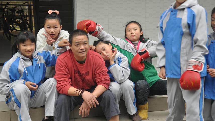 672个地震孤儿:让他们像别的孩子一样长大