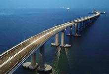 夜瞰港珠澳大橋