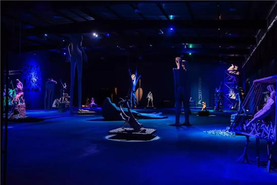 """林惠兴工作室开放展""""人间剧场""""探讨人性,讲述现实与镜像"""